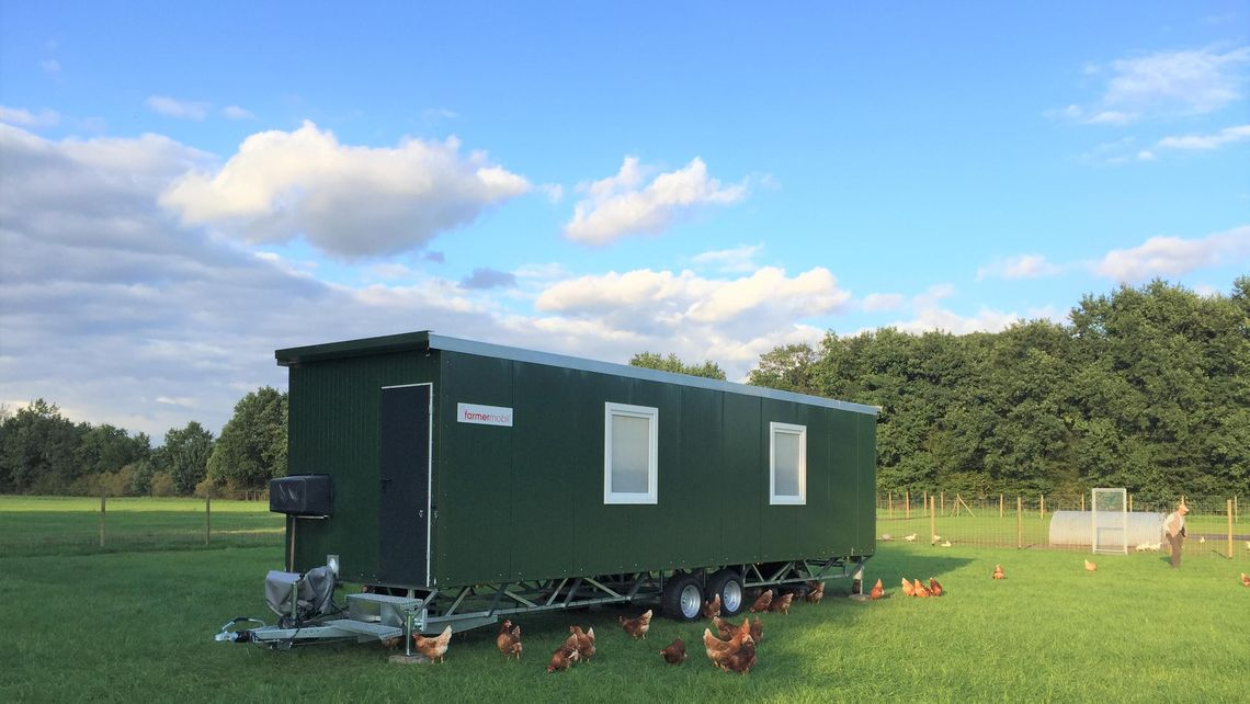 Total farmermobil GmbH: Hühnermobil Mobilstall Mobile chicken coop outdoor laying hen appropriate for human species STARTER-plus